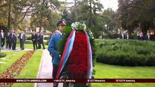 Putin gets warm welcome during official visit to Serbia