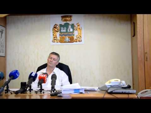 Веня Помазкин на пресс-конференции Евгения Ройзмана