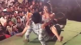 हॉट एंड सेक्सि डांस   गोदलेस धोदि पे गोदनवा   New 2017 Bhojpuri arkesta   hot girl   