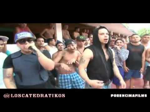 Grupo de reggaetón Los Catedrátikos filmó video en la Cárcel de Sabaneta.mp4