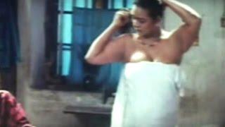 Shakeela Aunty Going To Bath With White Clothes    kaameshwari