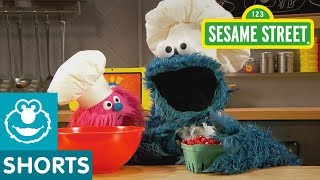 Sesame Street: Cranberry Muffins   Cookie Monster