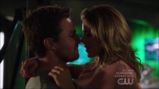 Arrow 5x20 | Oliver Felicity kiss scene |