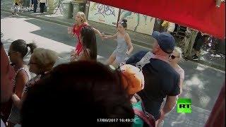 ذعر المارة بعيد وقوع اعتداء برشلونة الإرهابي