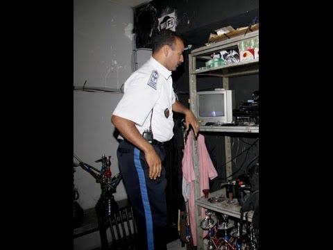 ملف خطير: فضيحة الكوميسير صوتي ومهاجر يحتجز سيارة امن بجهاز ارسال بعد تعرضه للإبتزاز