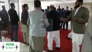 pakistani politicians fighting murad saeed fights