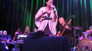 Why Does It Hurt So Bad   Whitney Houston Tribute, live @ Melkweg, Amsterdam. 19 maart 2012