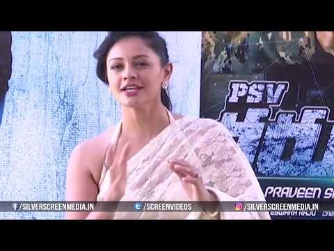 Pooja Kumar Adjusting her Saree in Live Interview @ Pooja Kumar Wardrobe Malfunction