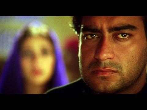 Xxx Mp4 Ajay Devgn Saif Ali Khan Get Caught Kachche Dhaage Movie Scene 3gp Sex