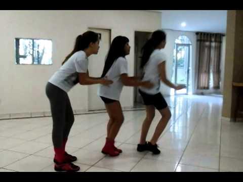Cinthia Cruz mostra Rayssa Chaddad e Lívia Inhudes dançando