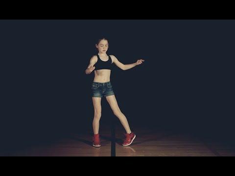 """Esta niña aprendió a bailar """"dubstep"""" en YouTube Webucación"""