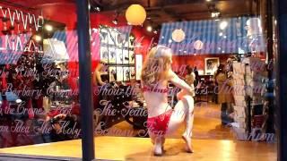 Cabaret Rouge at Coco de Mer