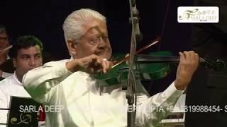 "PYARELALJI PLAYING the VOILIN.""Ek Pyar Ka Nagma Hai - Mukhtar & Sarita -JHILMIL SITARON KA AANGAN"