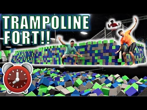 24 HOUR OVERNIGHT CHALLENGE IN TRAMPOLINE PARK EPIC FOAM FORT