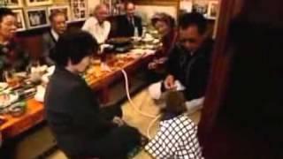 macaco garçon no japão / Monkey waiters in Japan (PT)