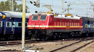 Triple Parallel action at Nagpur Diamond Crossing!!!
