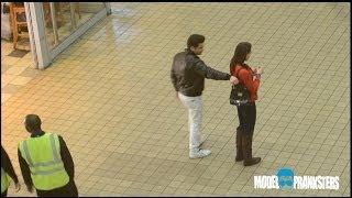 girl vs guy pickpocket experiment