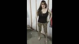 """فضيحة الفنانه العراقيه سولاف """"  لبس ورقص اغراء"""" +16"""
