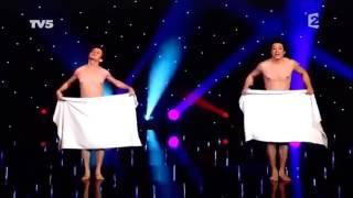 Чуть не опрзорились выступали голыми на сцене.Всем смотреть!!!