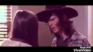 Carl y  Enid The Walkind Dead (6 temporada)