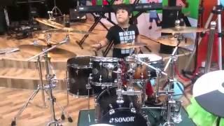Thần đồng đánh trống 7 tuổi Nguyễn Trọng Nhân