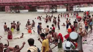 Holy bath in the Ganga river, Haridwar