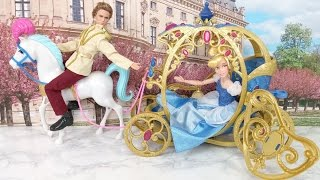 Disney Princess Cinderella Horse and Carriage! Prince Kisses Cindy
