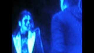 MICHAEL JACKSON cantando en español ( this is it )