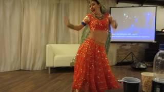 Russian bollywood dancer Alesya Rangeela performing with dance Rangeelo Maro Dholna in Sochi