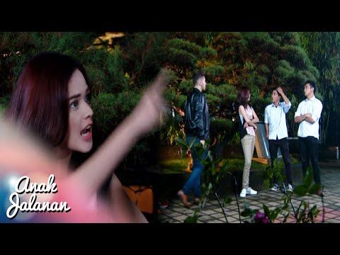 Alex pura Pura Berkelahi dengan Haykal Dan Iyan [Anak Jalanan] [4 September 2016]
