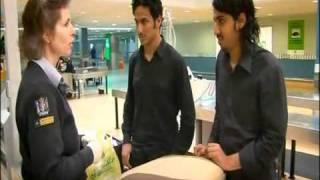 سعوديين ماسكينهم في مطار نيوزيلاندا