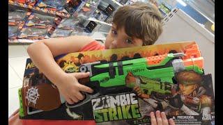 Nerf Zombie Zumbi Slingfire Lança Dardo filho toma susto  brincando pai Brinquedos Toys Kids