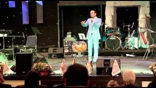 Hasan Reyvandi - Concert | حسن ریوندی - خنده دار ترین تقلید صدای امیر تتلو و آرمین
