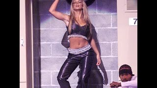 Britney Spears & NSYNC - Baby One More Time/Tearin' Up My Heart @ VMA (1999)