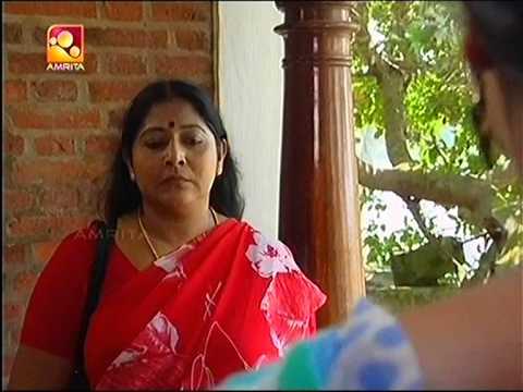 malayalam serial actress hot saree tucking in a tight saree.mpeg