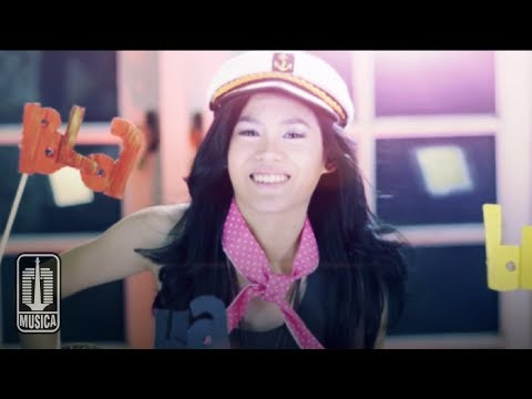 Sheryl Sheinafia - BLA BLA BLA (Official Video)