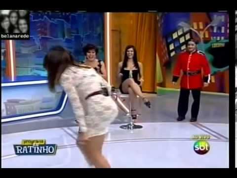 Valentina Pagando Calcinha
