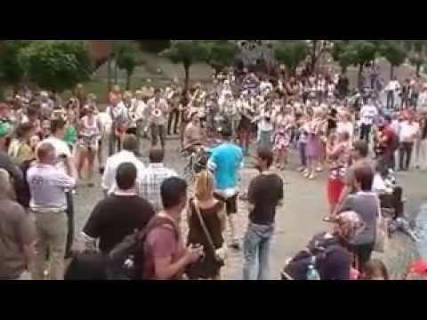 Flashmob Kunst Adelt Keulen 8 juni 2013
