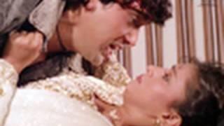 Govinda rescues Madhuri Dixit - Izzatdaar