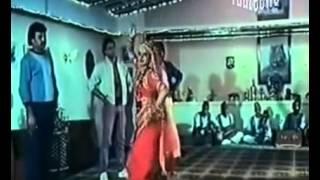 REKHA   Tawaif Kahan Kisi Se Mohabbat Karti Hai    Amiri Garibi 1990