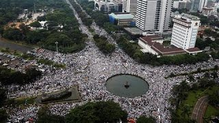 Tens of Thousands of Hardline Muslims Protest in Indonesia