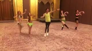 لولي مدرب الرقص يعلم الأجيال #الكمون