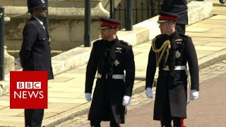 Royal wedding: Prince Harry and Prince William arrive - BBC News