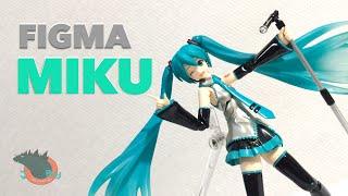 Figma Hatsune Miku Vocaloid Review