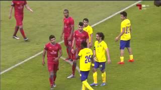 فيديو يكشف سبب رفض لاعب لخويا مصافحة حسين عبدالغني