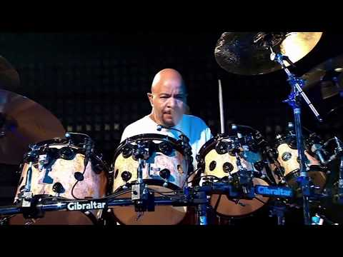 Chester Thompson Drum Cam Drums drums & More Drums live 2004