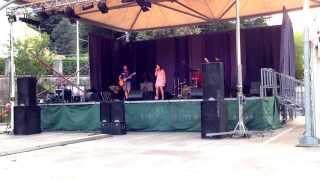 2013-09-14 Music Project Mori - I am a Bitch I am a Lover - Alanis Morissette con Blackout