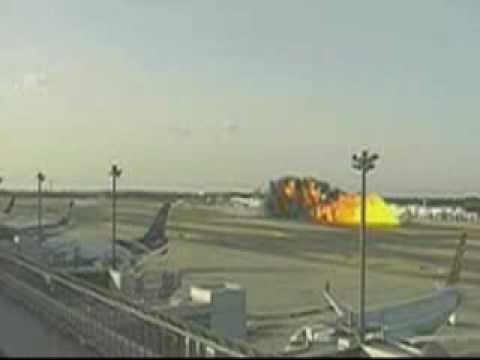 Cenas Inéditas acidente avião da FedEx MD 11 Plane Crash Footage Tokyo Narita Int Airport