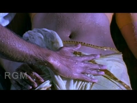 Young Boy Romance With Tamil Aunty - Rathi Nirvedam Telugu Romantic Scene