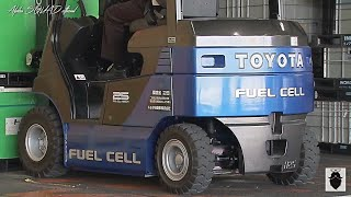 Toyota Forklift Truck - Toyota Hydrogen Fuel Cell Forklift Truck